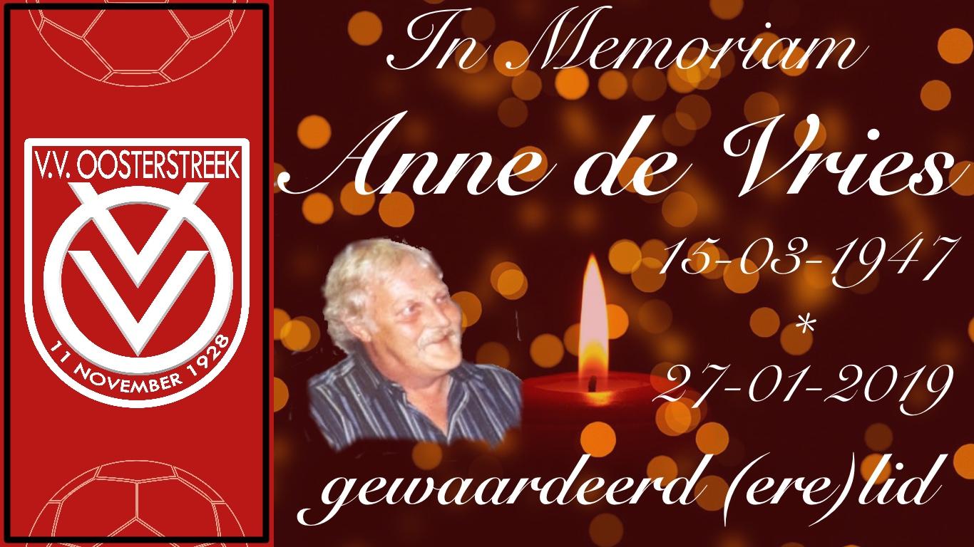 Erelid Anne de Vries overleden